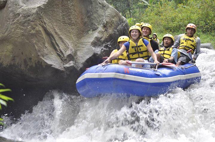 Serunya Rafting Malang